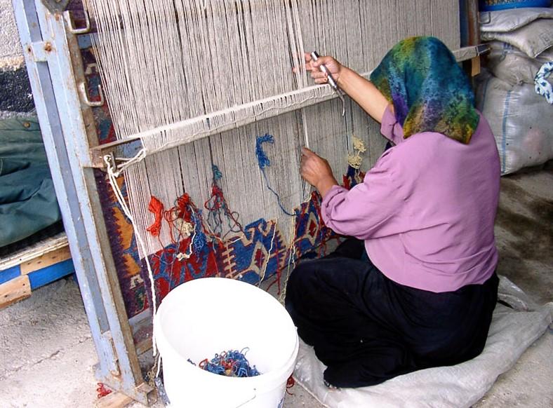 Ahdoot Oriental rugs Turkish rug weaver